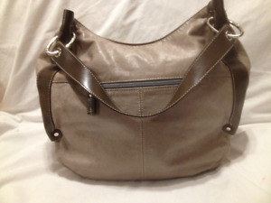 Ladies Large Taupe Leather Hobo Hand/Shoulder Bag by the Trend