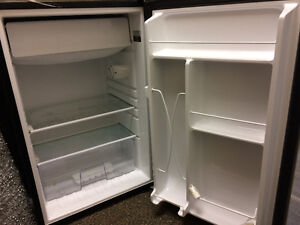GE Bar Fridge with freezer Kitchener / Waterloo Kitchener Area image 2