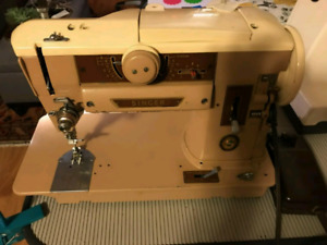 Singer Classic 401 Sewing Machine