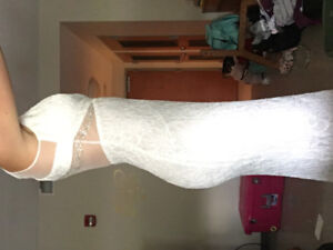White dress BRAND NEW. Size 4 (fits larger)
