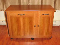 Meuble pour machine a coudre/ Sewing machine table