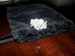 LOOKING TO TRADE - EXTRAORDINARY DIAMOND RING $12600