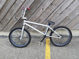 BMX NORCO 2012 EXCELLENT CONDITION VERY LIGHT385obo