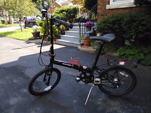REDUCED! Raleigh i8 FOLDING 8-speed bike