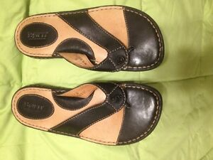 Born Black Leather Thong Sandals Size 37