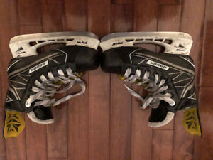 Bauer Supreme 1S Youth Hockey Skates (Size 13EE)