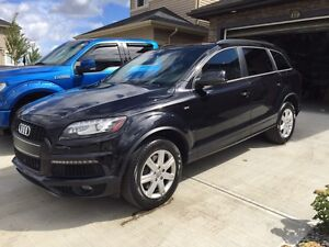 2014 Audi Q7 Supercharged S-Line (fully loaded)