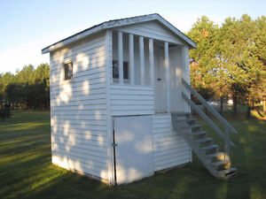 PLAYHOUSE/STORAGE