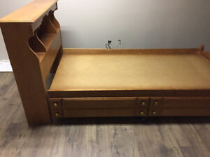 Solid wood Twin mates bed