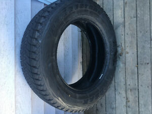 One Bridgestone Blizzak 225/65R17 Winter Tire