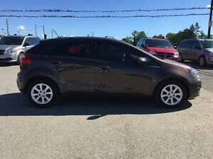 2013 KIA RIO LX * BLUETOOTH * LOW KM * LIKE NEW London Ontario image 7