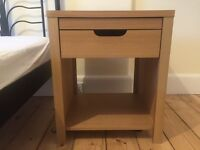 2 bedside tables, good condition