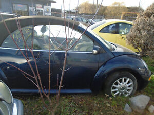 We are now Dismantling this Vw Beetle Convertible 2004 Gatineau Ottawa / Gatineau Area image 2