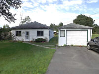 North Kingston Home - Country in the City! - 1799 Sydenham Rd