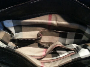 AUTHENTIC BURBERRY HAND BAG Windsor Region Ontario image 5