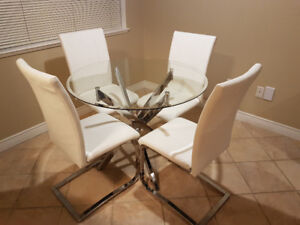 Glass Table W 4 Chairs