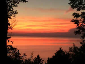 LAKE HURON LAKEFRONT COTTAGE RENTAL FOR FALL DATES