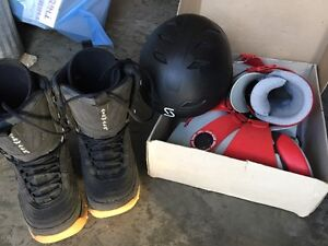 Womens size 5 Ski Boots  (excellent condition)