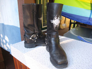 Harley Davidson Bike Boots size 7 and Ladies gloves