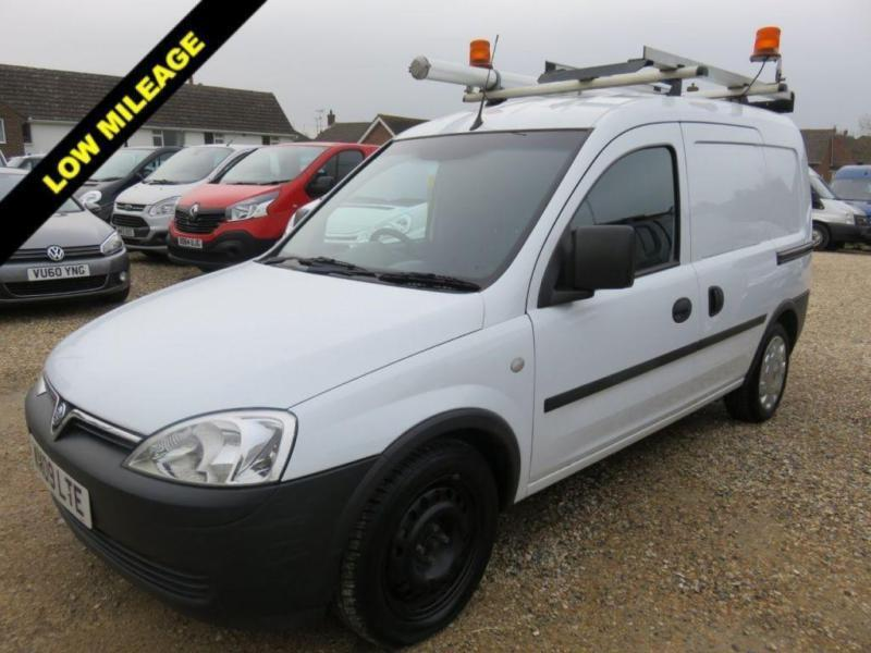 2009 09 VAUXHALL COMBO VAN 2000 1.3 CDTI EX BT FLEET ONLY 31886 MILES FROM NEW