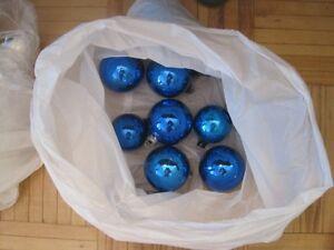 96  Christmas balls for your tree