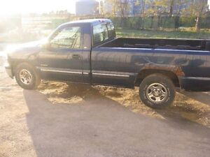 PARTING OUT   2000 CHEVY SILVERADO   AA0792 Windsor Region Ontario image 5