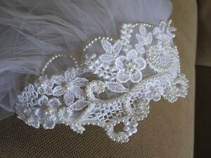 Veil with pearl and lace headpiece
