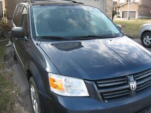 2008 Dodge Grand Caravan 135kms,DVD,B.tooth, CERTIFIED E-TESTED