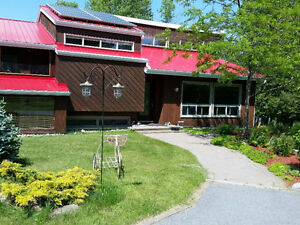 Country-Riverfront Paradise for Rent