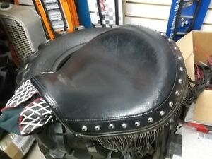 Used YAMAHA ROAD STAR 1600 DRIVERS SEAT   EXCELLENT SHAPE