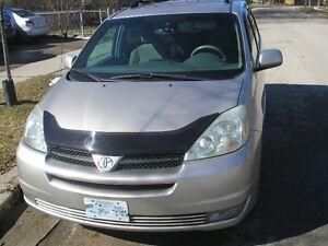 2004 Toyota Sienna LE Minivan with 2 sets of tires