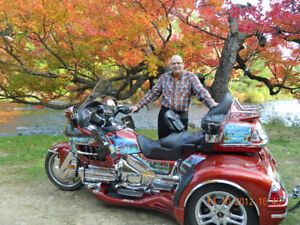 THE HONDA GOLD WING OF YOUR DREAMS, 2007 CUSTOM !!