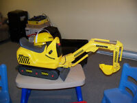 RIDE-ON Micro Excavator w/Helmet and Sound Dump Truck