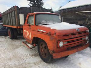 Ford F - 500 , old CN rail truck,  grain truck , box and hoist