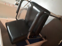 Hairdressing sink and chair
