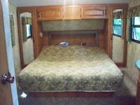 2011 Fifth Wheel Impeccable - 29 pieds
