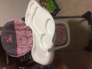 High chair in great shape