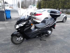 Suzuki Burgman 400 2011