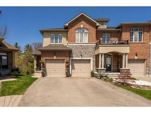 3 Bedroom Townhouses in Stoney Creek For Under $610,000!