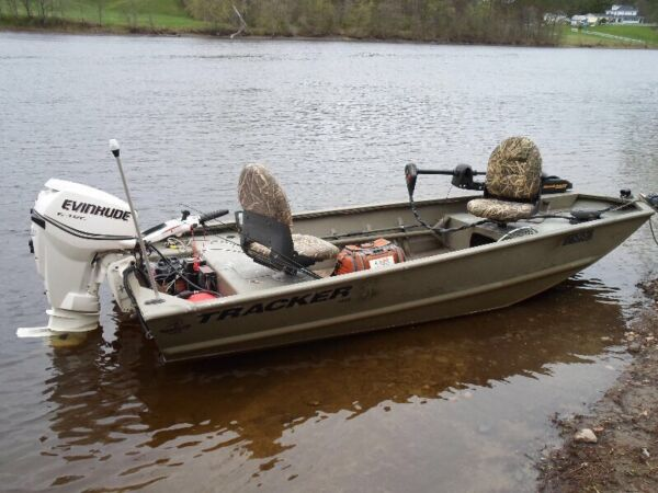 Used 2011 Legend Boats 1448 Geizzly Tracker