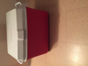 Lge Rubbermaid Cooler (Red  & White)   New never used