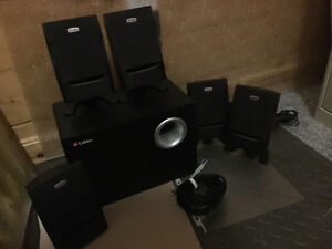 Area 675 home theatre speakers (surround sound system) (5.1)