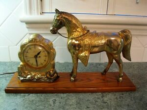 Vintage United Electric Mantle Shelf Clock Cobow Western horse