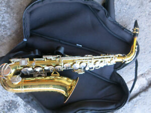 King Cleveland Alto Saxophone Model '613' - plays great!