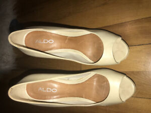 Ladies Aldo stilettos size 9