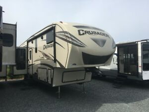 **BLOW OUT** 2017 Crusader 321 RES