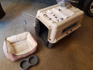 Essentials kennel/small bed/food bowl