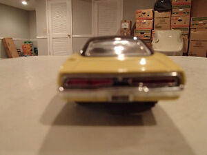 Road Champs 1969 Dodge Charger 1/43 Scale Diecast Car. YELLOW Sarnia Sarnia Area image 10