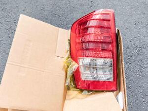 2006-2012 HYUNDAI ENTOURAGE OEM Rear Tail Light Lamp Assy Driver