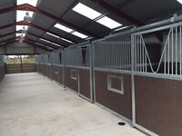 Horse stable / field shelter
